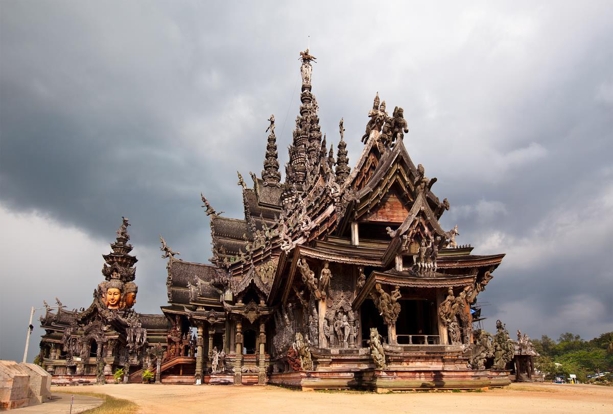 Lâu đài bằng gỗ Sanctuary of Truth Pattaya