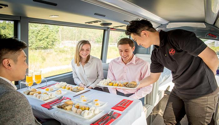 Bạn sẽ được thưởng thức bữa dimsum được chuẩn bị bởi nhà hàng Quảng Đông được Michelin giới thiệu. Nguồn: www.cardangel.com