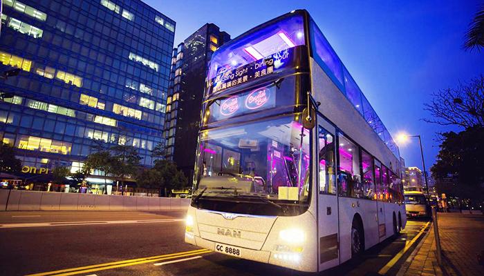 Hong Kong Crystal Bus sẽ là lựa chọn hoàn hảo cho chuyến hành trình khám phá Hong Kong của bạn. Nguồn: klook.com