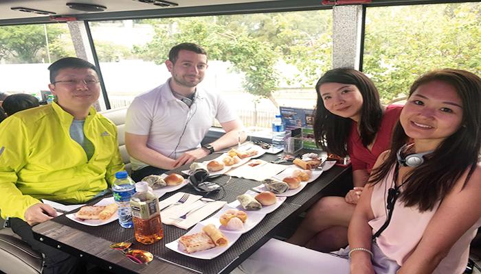 """Cùng gia đình và bạn bè thưởng thức """"bữa ăn"""" đặc biệt này tại Hong Kong nhé. Nguồn: www.lighthouseclub.asia"""