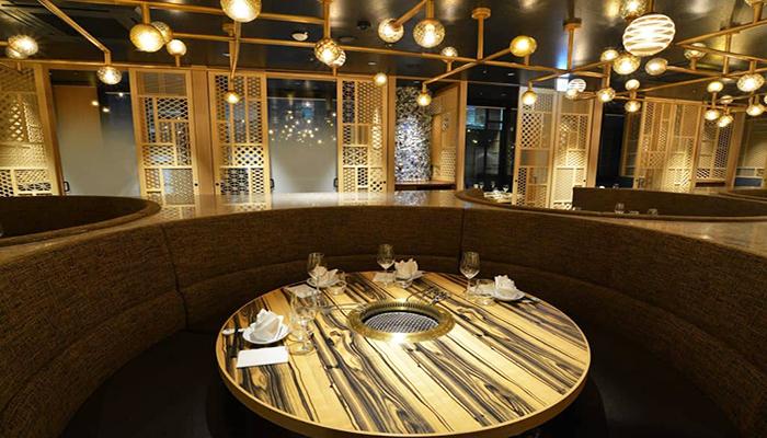 Nếu hầu bao rủng rỉnh, bạn có thể đến những nhà hàng sang trọng chuẩn sao tại Tokyo để thưởng thức ẩm thực. Nguồn: traveloka.com