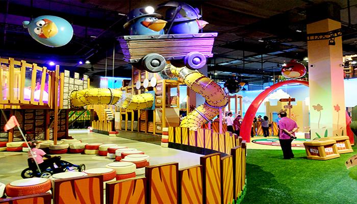 Khu vui chơi trong nhà đa dạng của công viên Angry Birds