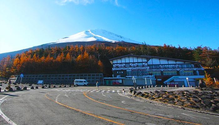 Cung đường đến trạm số 5 của ngọn núi Phú Sĩ.