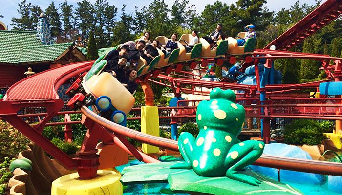 Chuyến tàu trượt nước nổi tiếng của Disneyland. (Nguồn: disneyatwork.com)