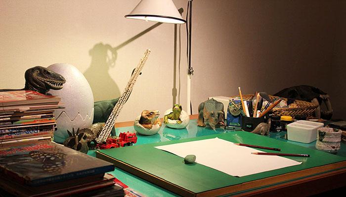 Bàn làm việc của họa sĩ Fujimoto - nơi ra đời bộ truyện tranh Doraemon nổi tiếng. Nguồn: balodeplao.com