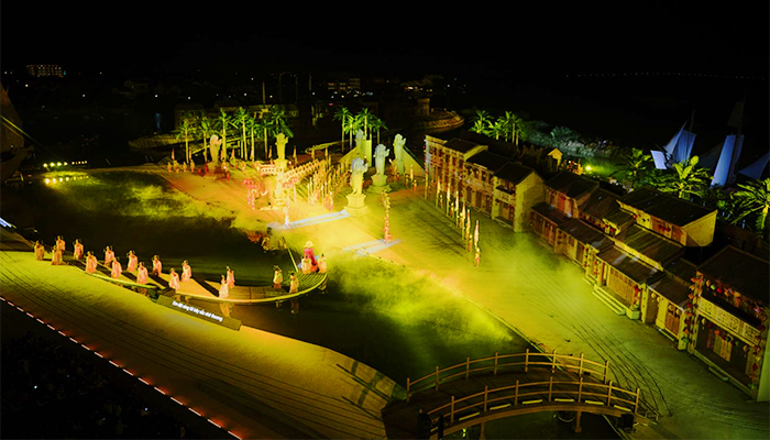 Kỉ lục về sân khấu ngoài trời lớn nhất Việt Nam. (Nguồn: hoianimpression)