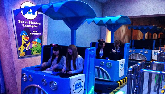 Chuyến tàu và trò chơi hấp dẫn của Monster. Inc Ride and Go Seek! (Nguồn: memes.com)
