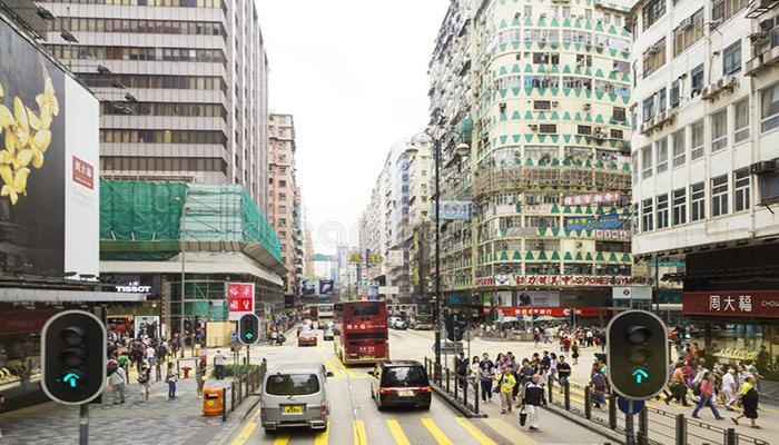 Nathan Road - con đường nhộn nhịp, tấp nập của Hong Kong với dòng người qua lại đông đúc. Nguồn: dreamstime.com