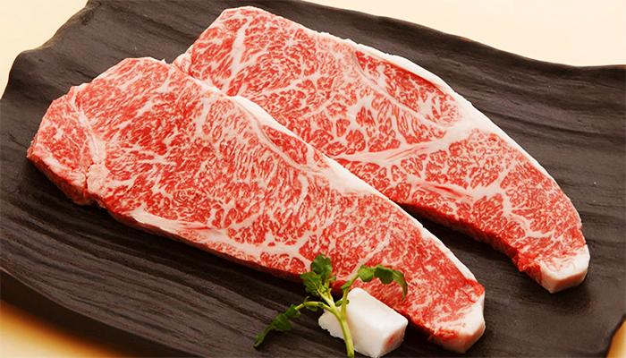 Chỉ thịt bò Wagyu ngon nhất mới được phục vụ tại nhà hàng.
