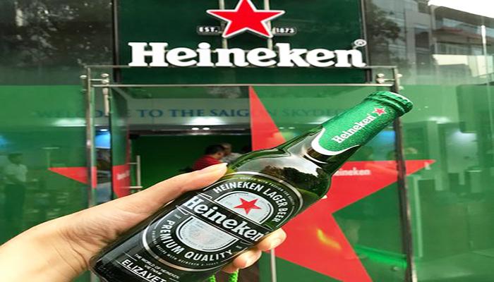 Chai bia in tên chính bạn - Món quà lưu niệm độc đáo có 1-0-2 đến từ Heineken. Nguồn: tripadvisor.com
