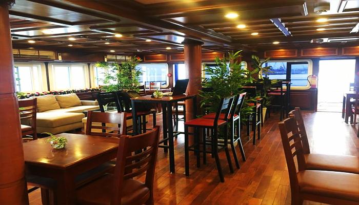 Nhà hàng phục vụ menu đa dạng. (Nguồn: veduthuyendanang.com)