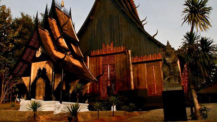 Chua trang wat rong khun - nha den chiangrai