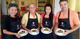 Hình của Tour học nấu món Thái tại trường Hua Hin Cooking Academy