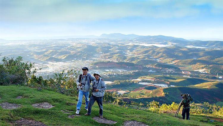 Tour trekking chinh phục đỉnh LangBiang giá rẻ