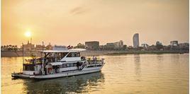 Hình của  Du thuyền ngắm hoàng hôn sông Mekong Phnom Penh (có đưa đón)