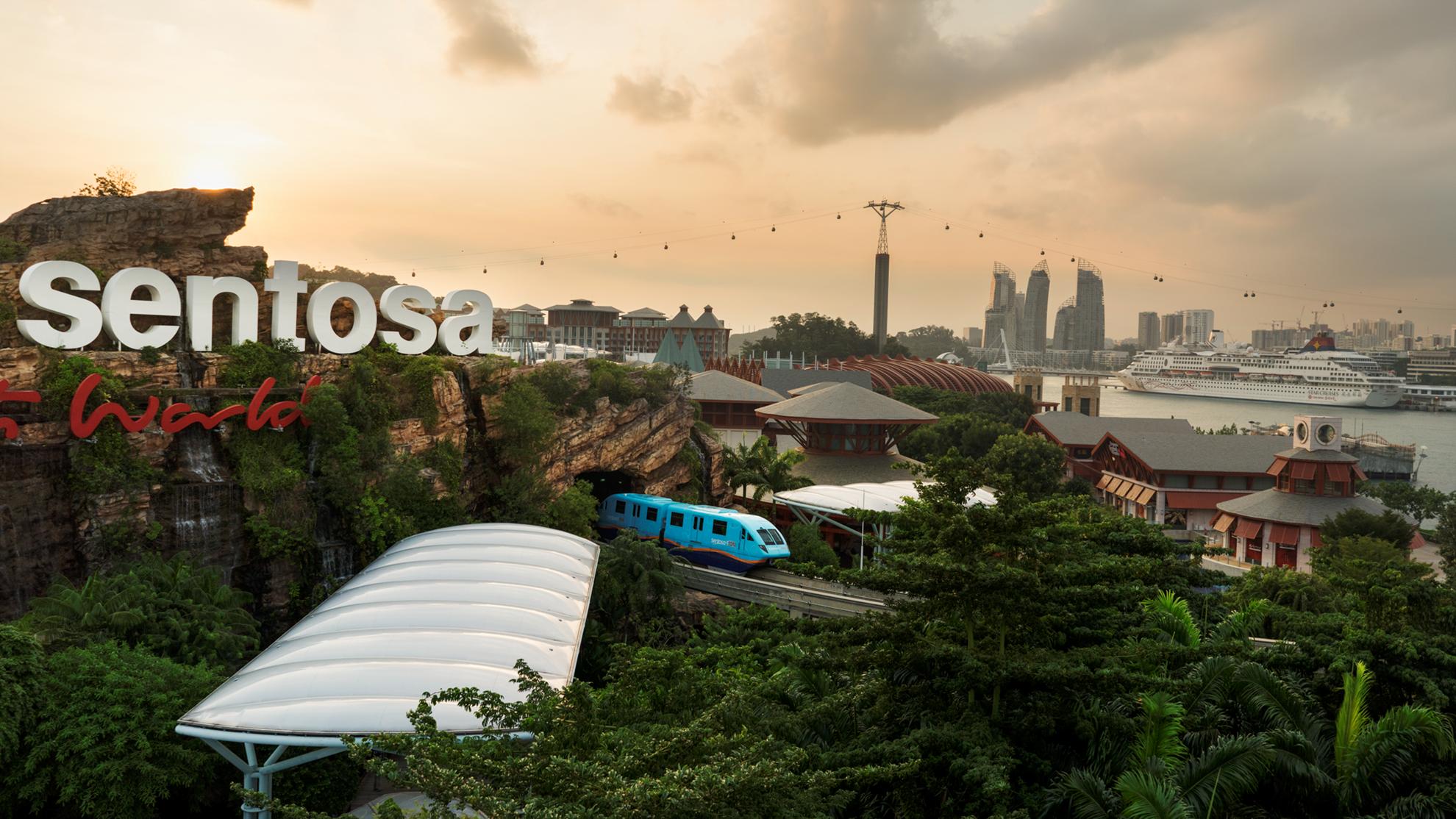 COMBO: Sentosa FUN Pass + Sentosa Monorail Express + Singapore Tourist Pass PLUS