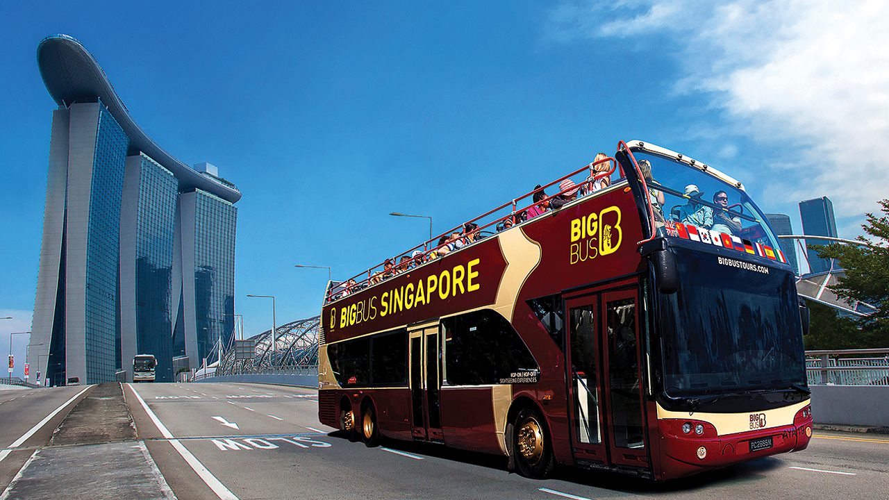 COMBO: Singapore Hop-on & Hop-off Bus by Big Bus+ Gardens by the Bay