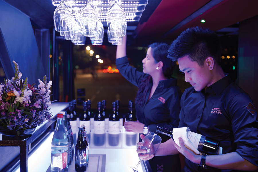 Tham quan & Dùng bữa tối trên Chuyến xe ẨM THỰC GOURMETbus (Đạt chuẩn Michelin Bib Gourmand)