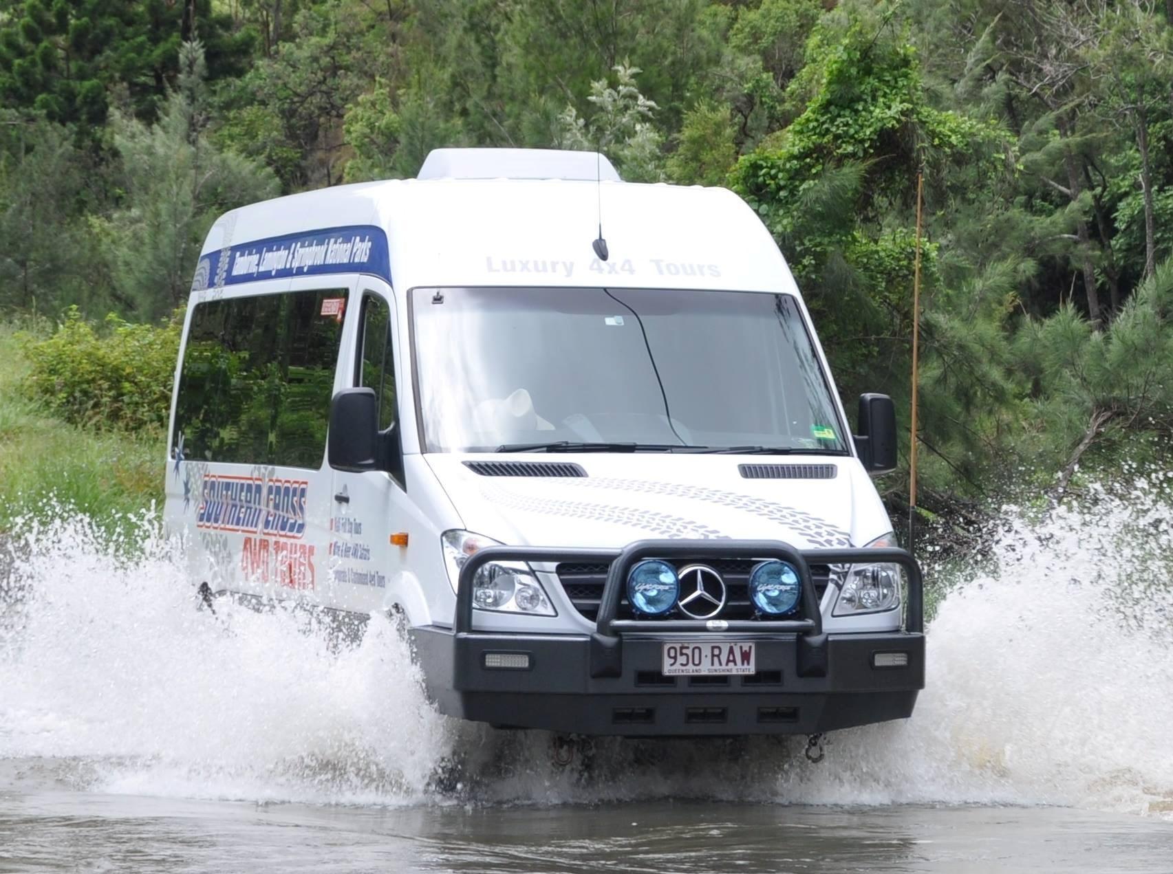 Tour tham quan núi Tamborine vào buổi tối bằng xe 4WD